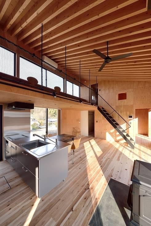 H-HOUSE: 株式会社長野聖二建築設計處が手掛けたダイニングです。