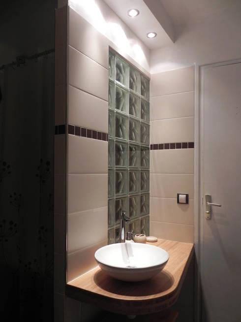 Projekty,  Łazienka zaprojektowane przez Contamin et Bioley architectes