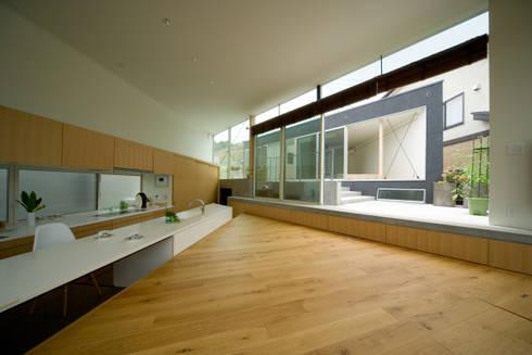 サンカク/ヌケ/サンカク: 有限会社 都市建築設計集団/UAPP が手掛けたです。