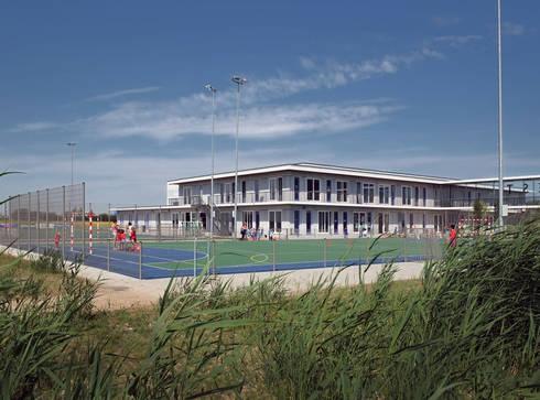 school en sport - scholencomplex - MFA:  Scholen door No Label