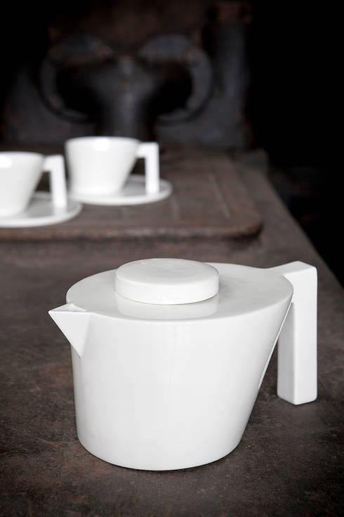 Unify theeset: minimalistische Eetkamer door un'dercast