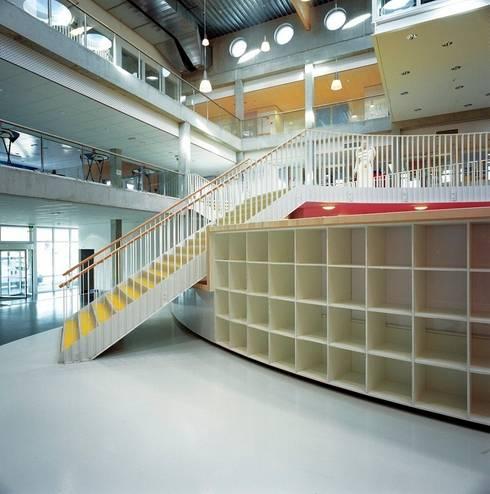 Facilitair Onderwijscentrum Niekée:   door Liag Architecten en Bouwadviseurs