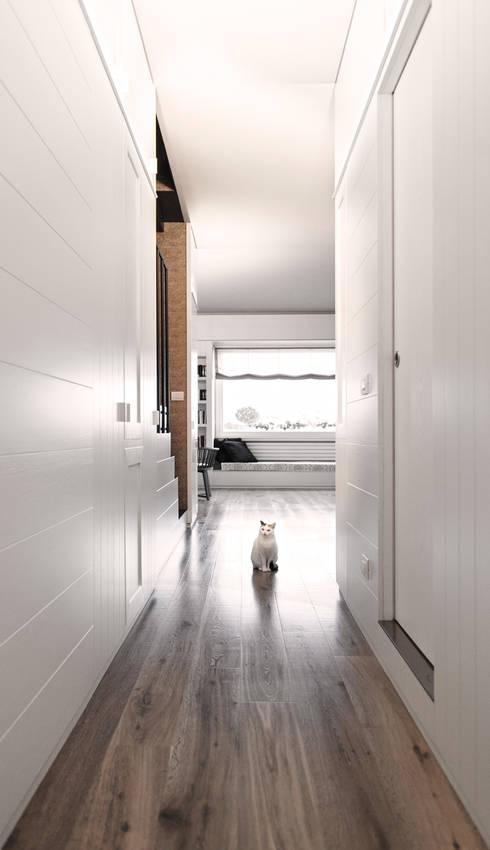 sistema armadiature, Giulia: Ingresso & Corridoio in stile  di Plastudio