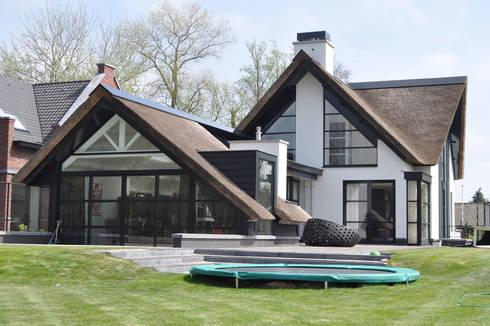 villa Heiloo: moderne Huizen door Jeroen de Nijs BNI