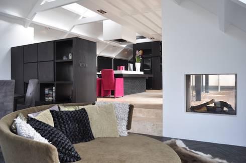 villa Heiloo: moderne Woonkamer door Jeroen de Nijs BNI