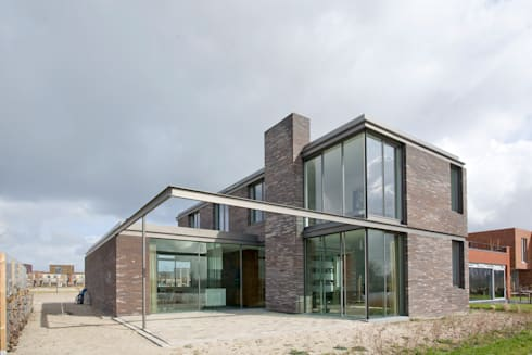 huis IHKB2: moderne Huizen door MIR architecten