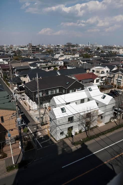 Tokyo Cottage: Umbre Architectsが手掛けた家です。