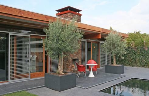 Atelier Maassluis:  Kantoorgebouwen door Artemis Interieurontwerp & Vormgeving