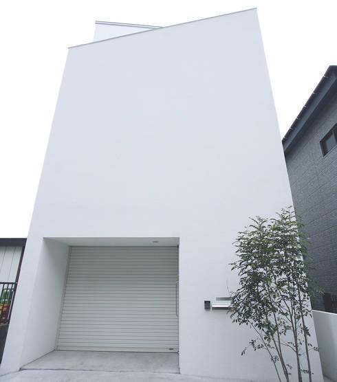 インナーテラスのある明るい住宅: ラブデザインホームズ/LOVE DESIGN HOMESが手掛けた家です。