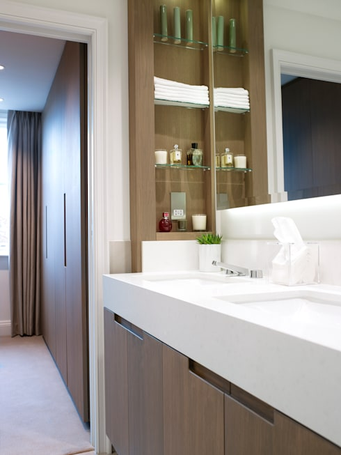 Cadogan Place Apartment:  Bathroom by DO Design Studio