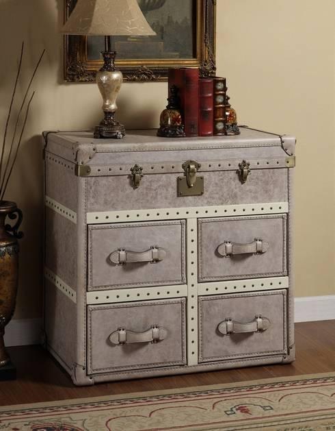 Vintage Storage Trunk from LOCUS HABITAT: classic Living room by Locus Habitat