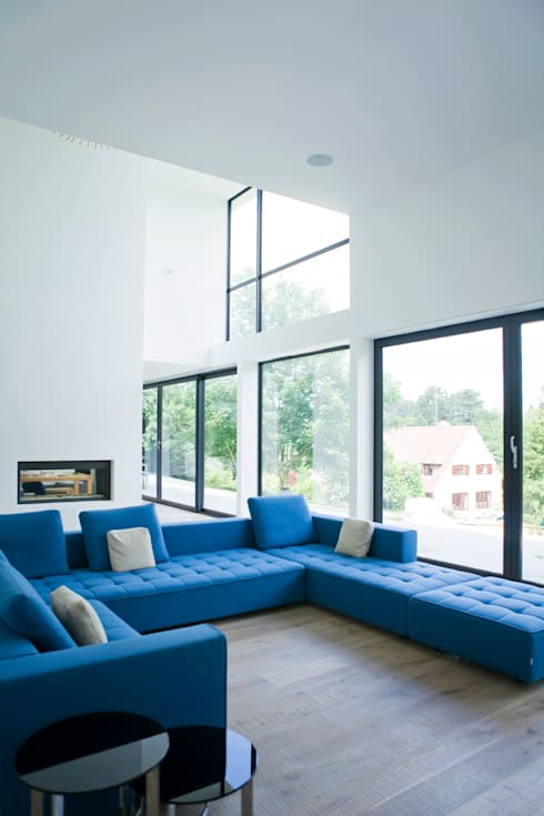 Hill House:  Living room by Lipton Plant Architects