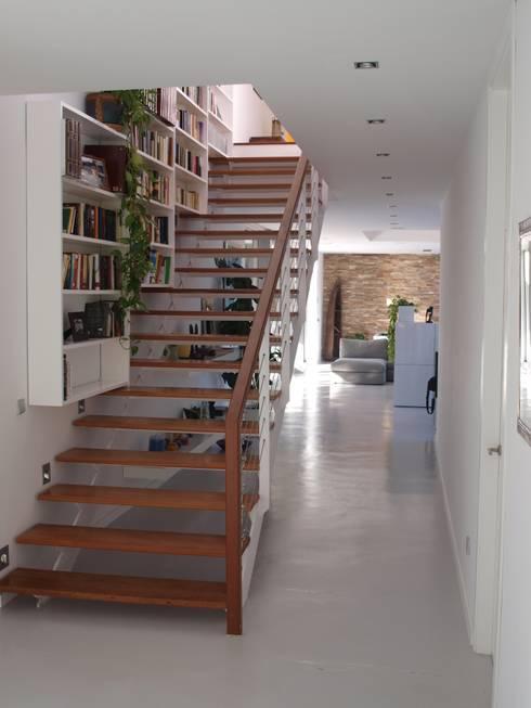 Casa en el campo: Casas de estilo moderno de ABR ARQUITECTOS