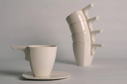 Bool: moderne Eetkamer door Winter Ceramics