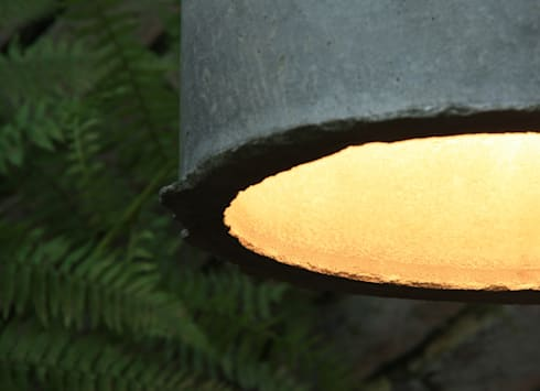 Concrete Lamp:  Woonkamer door Ministry of Mass