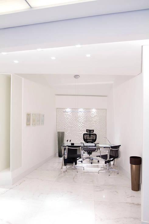 FCM Arquitetura:  tarz Ofis Alanları & Mağazalar