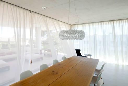 Jellyfish House: moderne Eetkamer door Wiel Arets Architects