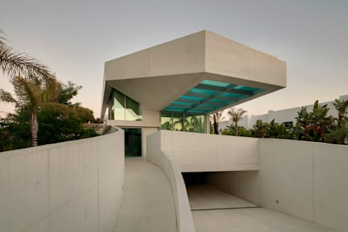 Jellyfish House: moderne Huizen door Wiel Arets Architects