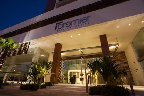 Premier Office Center:   por Espaço Livre Arquitetura