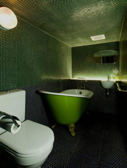 バスルーム: O設計室が手掛けたです。