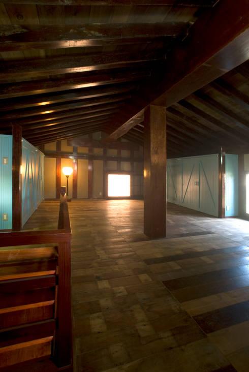 2階: O設計室が手掛けたです。