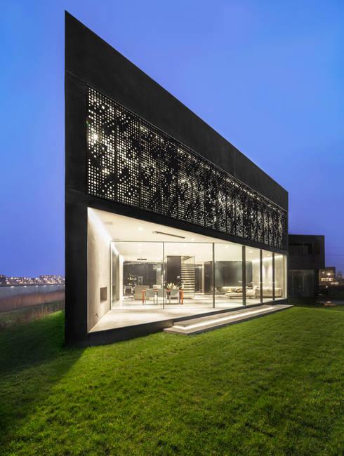 Villa Kavel 01: moderne Huizen door Studioninedots