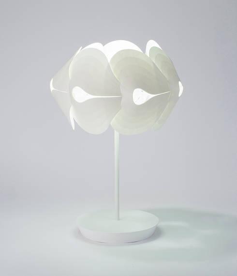 HANJI LIGHT: giiho design studio의  거실