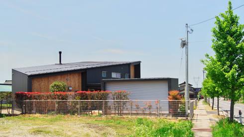 多角形の家  POLYGONAL HOUSE  TOYAMA,JAPAN: 水野建築研究所が手掛けた家です。