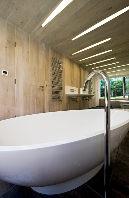 Bathroom: modern Bathroom by BACA Architects