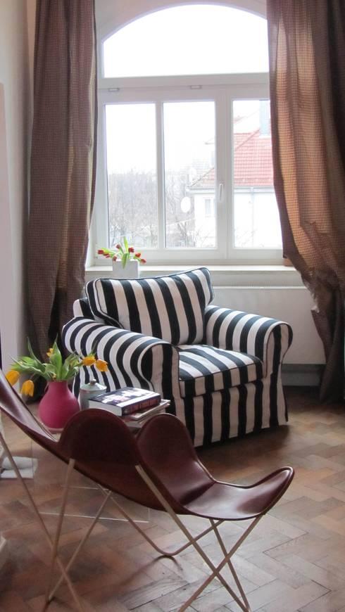 Salas/Recibidores de estilo  por saustark design