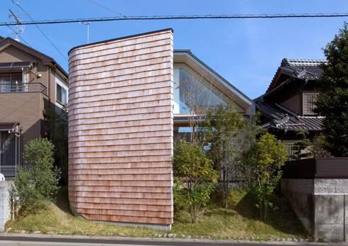 寄り添って暮らす家: 空間設計aunが手掛けたです。