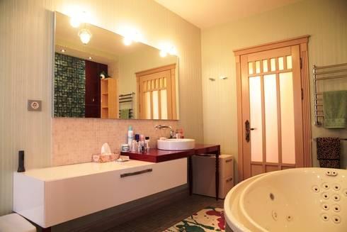 Experiments in art Nouveau style: Casas de banho modernas por D O M | Architecture interior