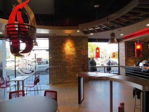 Acondicionamiento de local para restaurante de comida rapida:  de estilo  de Prodereco