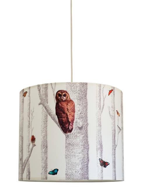 """Lampenschirm """"Im Wald"""": moderne Wohnzimmer von Anna Wand"""