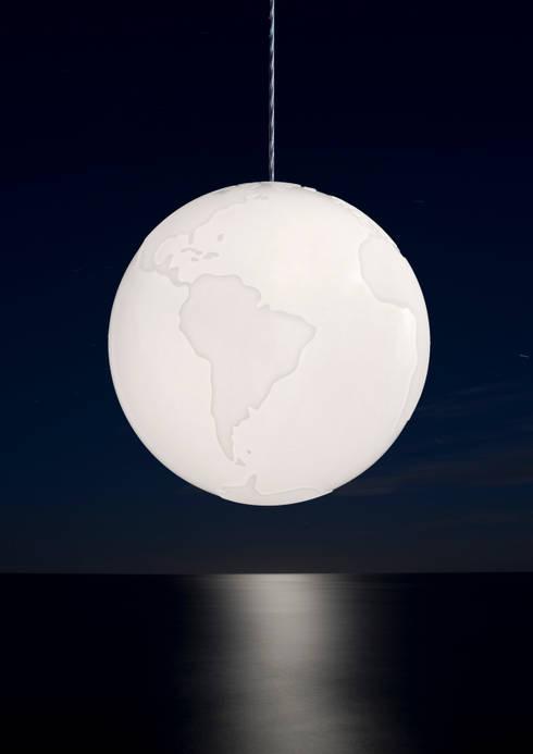 Planet Earth: moderne Woonkamer door BLOOM & STYLE