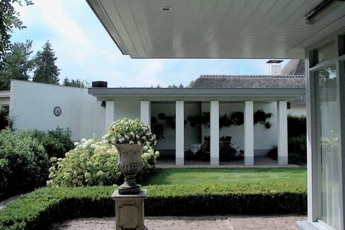 woonhuis in Achel [België]:  Terras door PHOENIX, architectuur en stedebouw