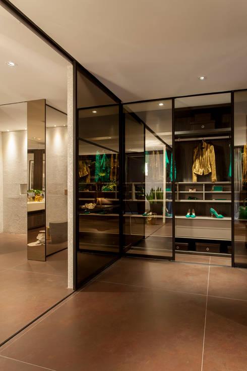 Brunete Fraccaroli Arquitetura e Interiores의  드레스 룸