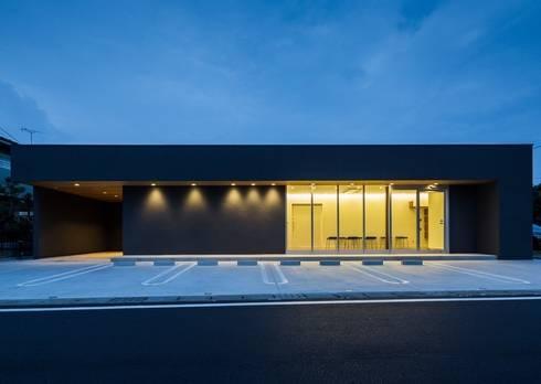 大垣の接骨院: YOKOI TSUTOMU architectsが手掛けたです。