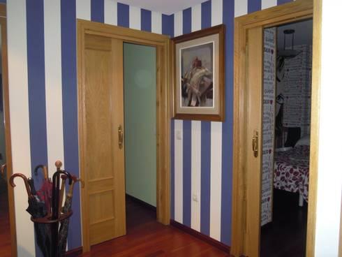 Con cada rincón una nueva estancia: Dormitorios de estilo moderno de SQ-Decoración