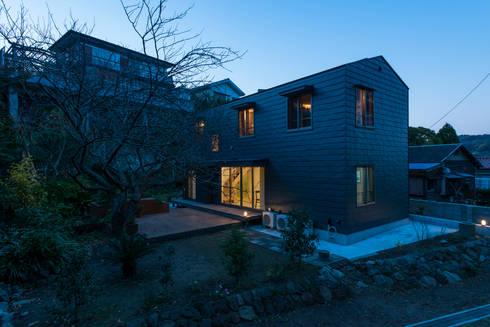 カマクラのイエ: 白子秀隆建築設計事務所が手掛けた家です。