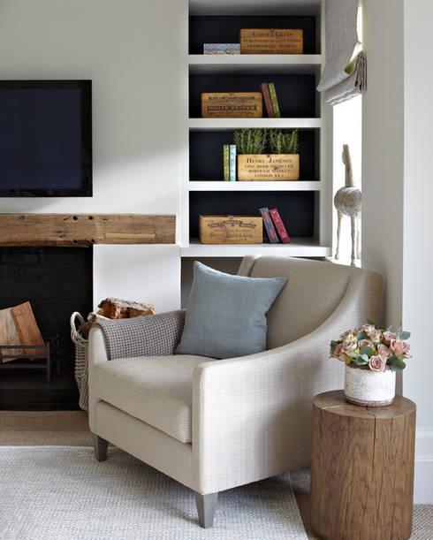 Salas de estar campestres por Helen Green Design