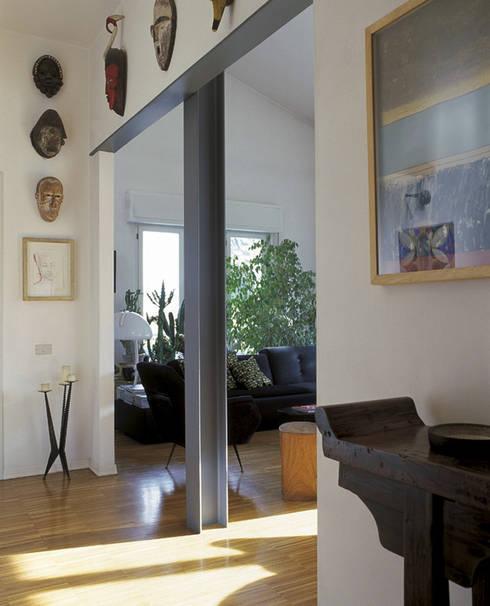 Appartamento a Viareggio:  in stile  di Marco Innocenti Architetto