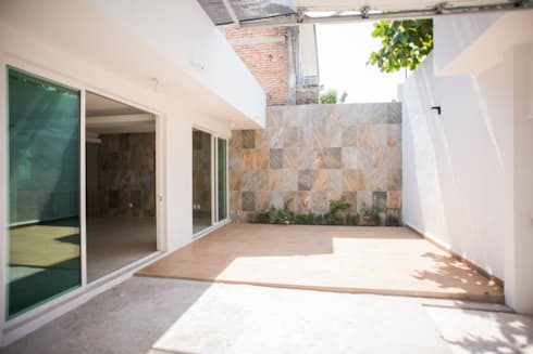 Remodelacion Casa <q>El Almendro</q>: Casas de estilo minimalista por zerraestudio