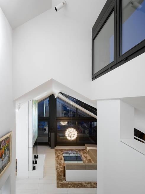 WOHNUNG SCH:  Häuser von Ippolito Fleitz Group – Identity Architects