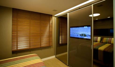 Quarto de Casal: Salas de estar modernas por Leles Arquitetura e Iluminação