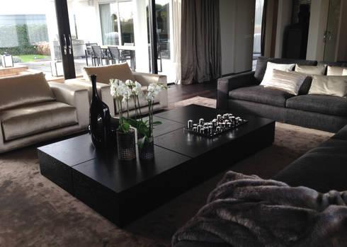 luxe zithoek: moderne Woonkamer door choc studio interieur