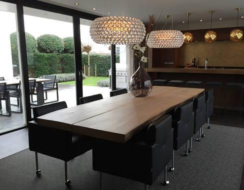 luxe keuken: moderne Keuken door choc studio interieur