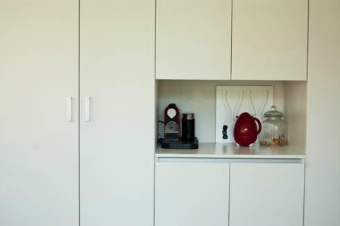 Cocina termoformado blanca: Hogar de estilo  por Muebles muc.