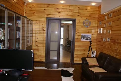 Деревянный дом: Рабочие кабинеты в . Автор – Студия дизайна