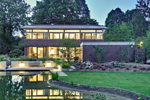einfamilienhaus mit schwebendem dach und veranda in bremen von m hring architekten homify. Black Bedroom Furniture Sets. Home Design Ideas